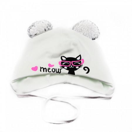 Caciula pentru fetite, cu imprimeu pisicuta si urechi cu paiete, marime 40, +6 luni, Alb