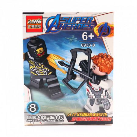 Hawk eye in razboi cu Villain Soldier, Figurina