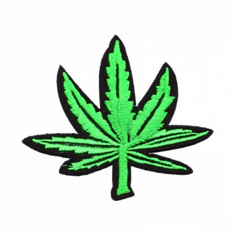 Petic textil / patch brodat, Frunza de canabis, 7.8 x 7 cm, Verde