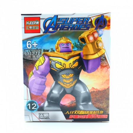 Thanos, Figurina