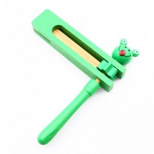 Zornaitoare din lemn, Fericitul zgomotos, Verde, 16.5 cm