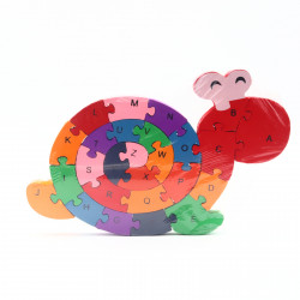 Puzzle din lemn cu litere si cifre, Melc, 26 piese