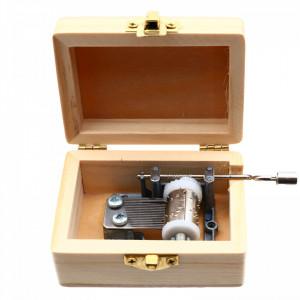 Cutiuta muzicala, din lemn, tip aparat foto, 7.5 x 5.5 x 4 cm