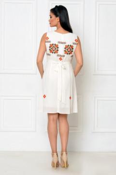 Rochie de zi vascoza cu motive etno