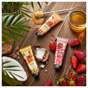 Crema Maini Uscate si Crapate, Strawberry Skin Eveleine Cosmetics