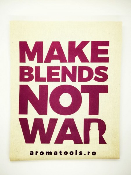 Sacosa bumbac MAKE BLENDS NOT WAR - mov