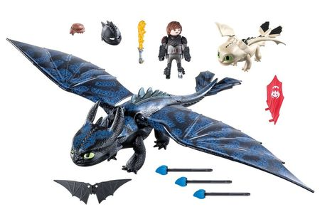 Poze HICCUP, TOOTHLESS SI PUI DE DRAGON