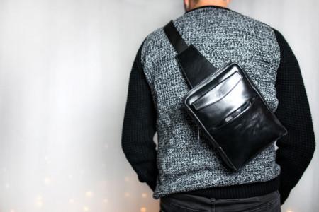 Muška torba preko grudi crna