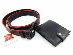 Crni kožni novčanik i crno crveni kaiš za farmerice