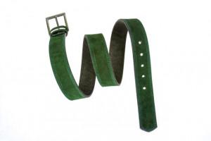 Zeleni muški kaiš od prevrnute kože za farmerice