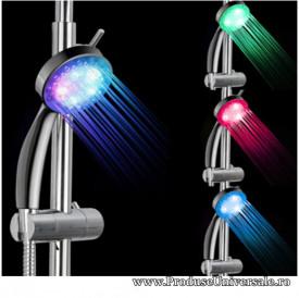 Cap de dus luminos, cu led-uri multicolore, ce functioneaza fara baterii si este compatibil cu orice model de furtun de dus