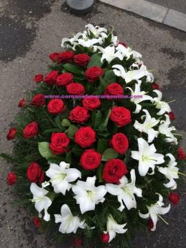 Poze Coroane Funerare Trandafiri Rosi si Semiluna Crinii Inperiali