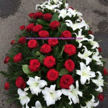 Coroane Funerare Trandafiri Rosi si Semiluna Crinii Inperiali