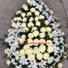 Coroane Funerare Crinii Inperiali si Trandafiri Albi