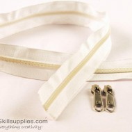 Zipper White 2 ft Large