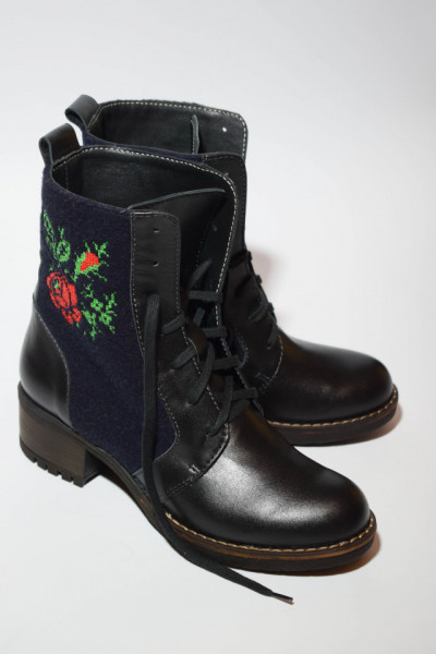Embroidered boots, Romanian Roses