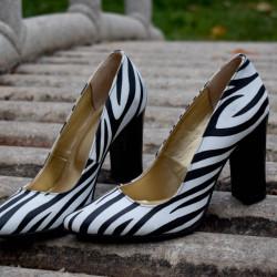 pantofi dama, toc lat 9 cm, model zebra