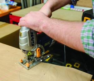 Fierastrau pendular 750W cu ghidaj laser , 0 ° 45 ° , GMC 750W Pendulum Action Jigsaw with Laser Guide