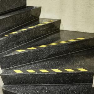 Banda autoadeziva antiderapanta, 50mm x 18m , negru / galben, Fixman