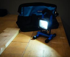 Proiector cu lumină LED 10W , baterie 4400mAh Li , 13-16 ore , port USB Silverline