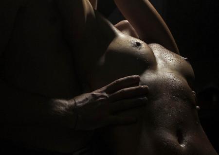 Fototapet Erotica, Atingere ușoară