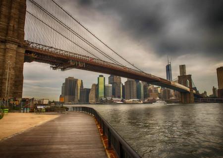Fototapet Poduri, O zi înorată