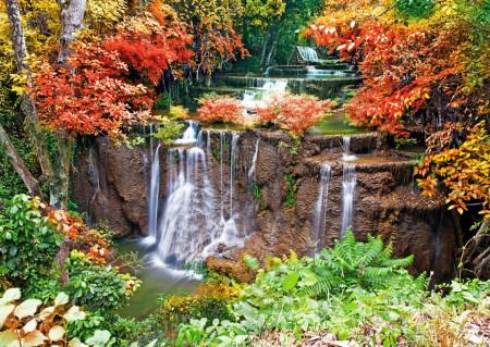 Fototapet, O cascadă înconjurată de copaci cu frunzele multicolore