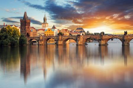 Fototapet, Orașul minunat de lângă râu