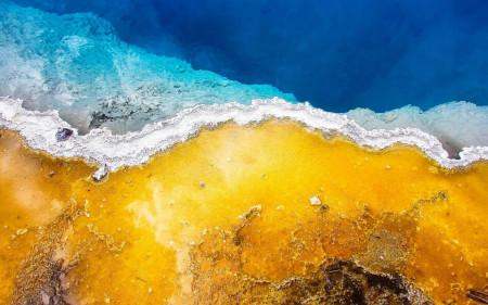 Multicanvas, Plaja cu nisip auriu