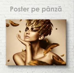 Poster, Fată a aurie cu pene