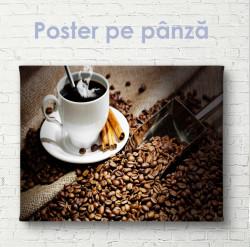 Poster, Boabe de cafea și o ceașcă de cafea fierbinte