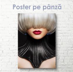 Poster, Femeie în corset de piele
