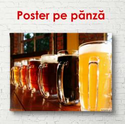 Poster, Pahare cu bere pe masă