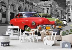 Fototapete, O mașină roșie pe o stradă alb-negru.
