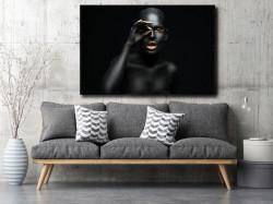 Tablou, Femeie neagră cu auriu