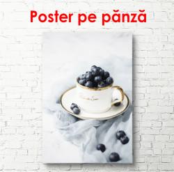Poster, Ceașcă albă cu fructe de pădure