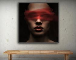 Tablou, Enigmă cu buze roșii