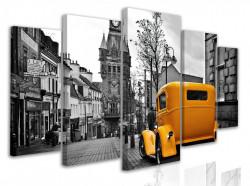 Tablou modular, Mașină retro galbenă într-un oraș alb-negru