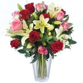 Poze Incredibili: trandafiri si crini
