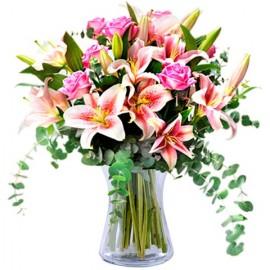 Poze Fericire proaspata: trandafiri si crini