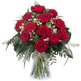 Poze Dragoste infloritoare: 11 trandafiri rosii