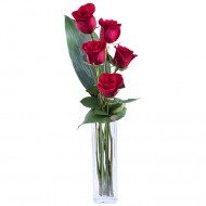 Dragoste si Eleganta: 5 trandafiri rosii