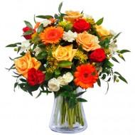 Zambet dulce: trandafiri rosii si galbeni