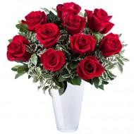 Dragoste Sincera: 9 trandafiri rosii