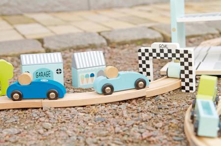 Pistă de curse din lemn portabila, cu 3 mașinute incluse
