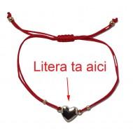 Bratara rosie cu pandantiv charm inima personalizata cu litera ta