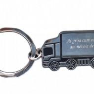 Breloc personalizat metalic in forma de TIR, camion gravat Ai grija cum conduci, am nevoide de tine