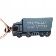 Breloc personalizat metalic in forma de TIR, camion gravat cu textul tau