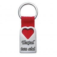Breloc personalizat metalic in forma de inima rosie gravat cu textul tau