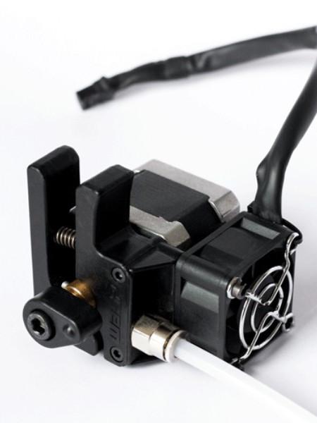 Dispozitiv de antrenare a filamentului pentru imprimantele 3D DeltaWASP